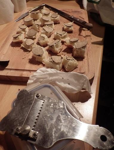 Toast au beurre truffé et rondelle de truffe :-))